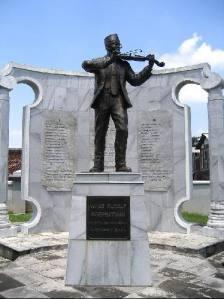 Patung W. R. Supratman