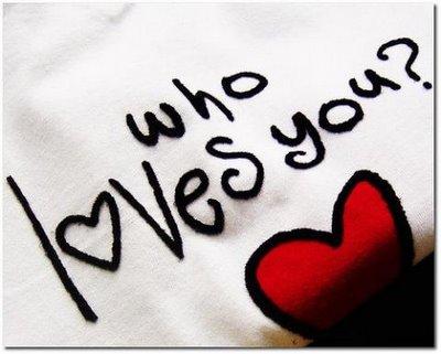 Cinta, kadang tak disadari manusia, tumbuh dan bersemi di relung hati dan mengisi kekosongan.